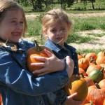 girls-pumpkins